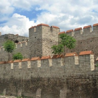 walls-of-constantinople-istanbul-turkey-720x405